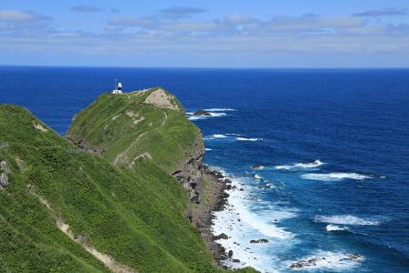 積丹半島の島武意海岸と神威岬の海はシャコタンブルーだった!